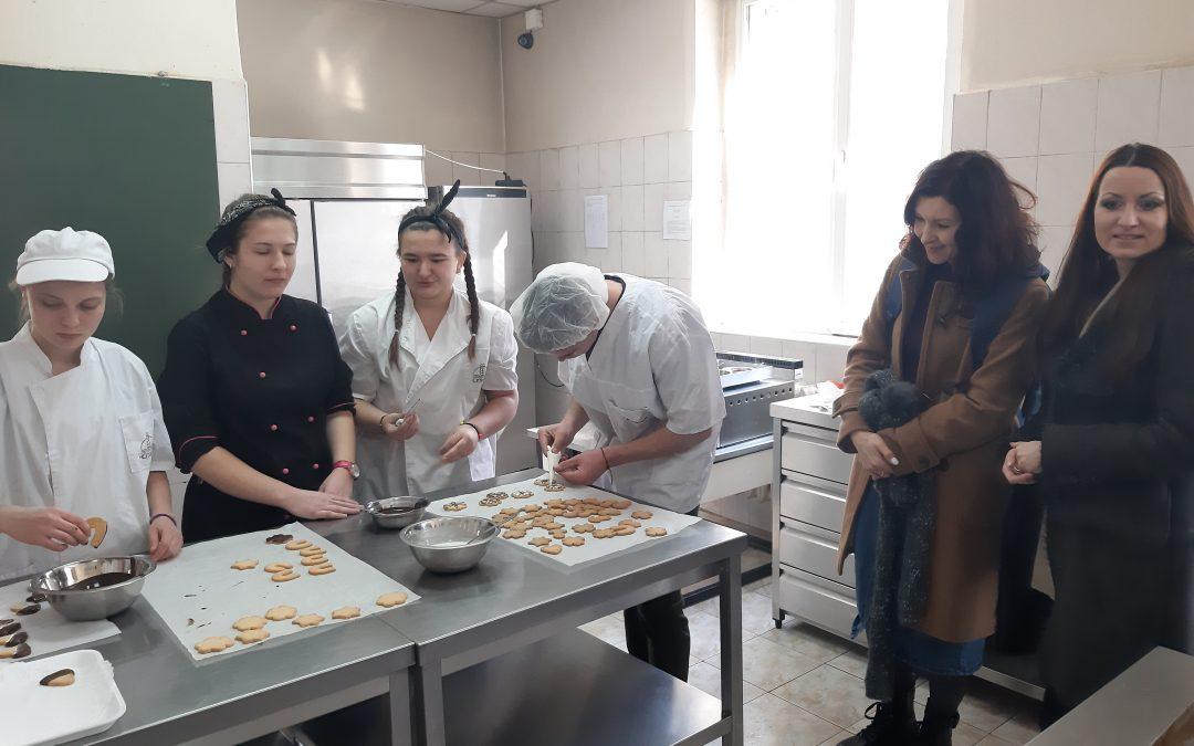 """Полски преподаватели посетиха СГХСТ по проект на програма """"Еразъм+"""""""